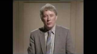 Seamus Heaney youtube digging