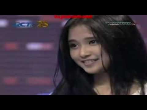 Nadya Almira - Listen @Audisi Yogyakarta Indonesian Idol 2014