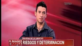 Joven Cubano Llega A Los Estados Unidos En Una Tabla De
