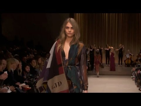 """BURBERRY PRORSUM"" London Fashion Week Fall Winter 2014 2015 by Fashion Channel"
