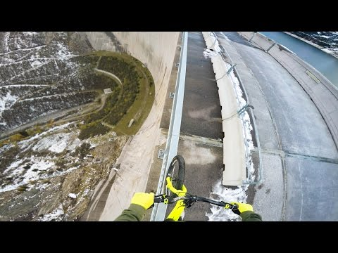Bike balancing 200m high up - Fabio Wibmer