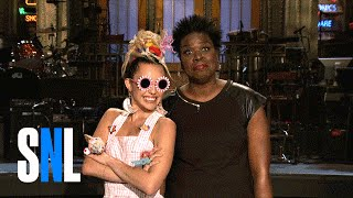 SNL Host Miley Cyrus Gives Leslie Jones Style Tips