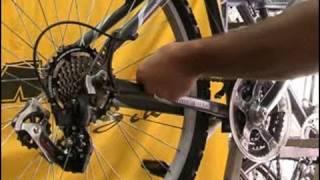Poner la cadena de una bicicleta