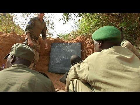 Au Mali, dans un centre de formation pour les soldats - 11/01