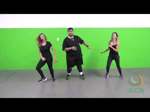 David Damasceno ensina a coreografia de Que Tiro Foi Esse?