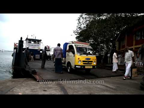 Ferry carrying buses and people in Kochi