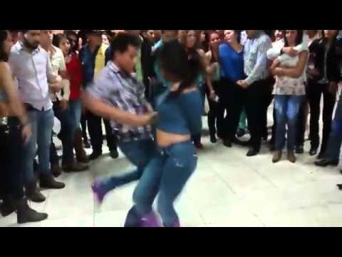 Que Manera de BAILAR!! (Cumbia texana y Cumbia Norteña) HECHO EN MEXICO!!!