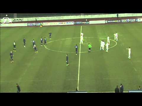 image vidéo Geste  fair-play pendant un match de football rare à regarder