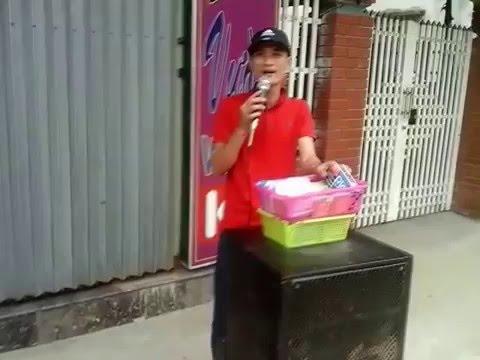 Ca sĩ NAM DƯƠNG xuống đường hát rong tìm vợ thất lạc p3
