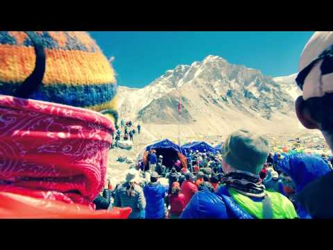 Buddhist Ceremony at Everest Basecamp Remembers 16 Sherpas Killed by Avalanche