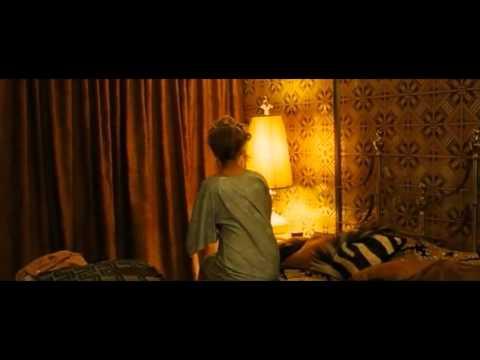Jennifer Lawrence Caught PantyLess