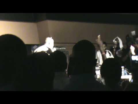 Raheem DeVaughn Performs Grammy Nominated Hit