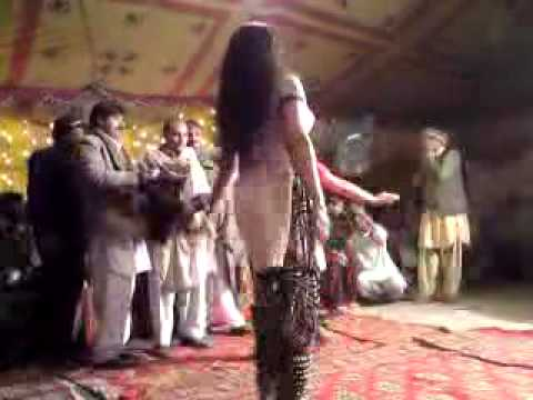 rafiqa dancer(haripur)performing in lassan nawab Mansehra