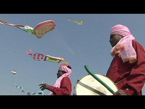 Kites fill the skies at annual festival in India - no comment