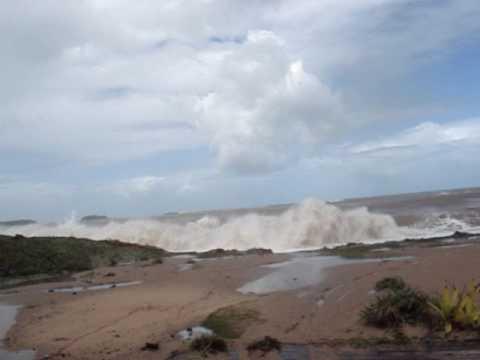Big Swell - Praia do Abricó em Rio das Ostras