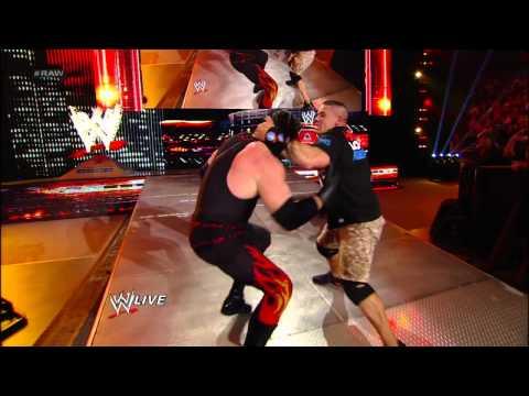 Raw - Eve vs. Beth Phoenix - WWE Divas Championship Match