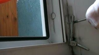 Как отрегулировать пластиковую дверь, скрипят, трутся? - zol.