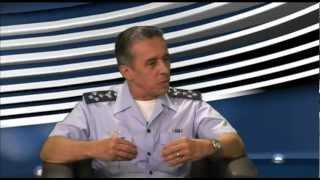 O Comandante Geral do Pessoal, Tenente-Brigadeiro-do-Ar Antonio Gomes Leite Filho, explica a política de pessoal da Aeronáutica, o apoio ao homem e os planos de carreira do efetivo da FAB dentre outros assuntos.