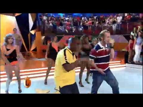 legendarios MC Cabeção e Dino Boyer cantam seu sucesso no Legendários 15 03 2014 mircmirc