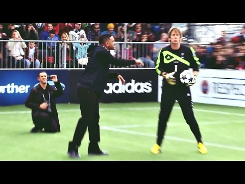 Will Smith tenta marcar penalty e falha   Will Smith FAILs to score penalty against Van Der Sar