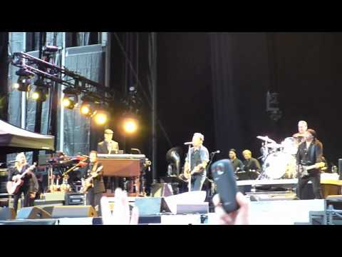 Bruce Springsteen - Take Em As They Come (Live - Hard Rock Calling 2012) 14/07/12