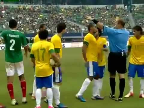 Pelea de Neymar vs Meza - Mexico vs Brasil 2-0 (Partido Amistoso 2012)
