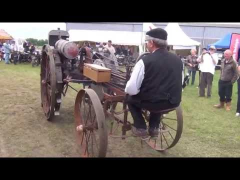 Locomotion en fête 2013 vieux tracteur agricole