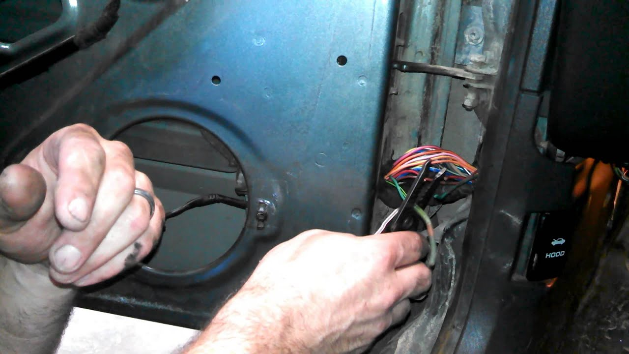 How To Fix Door Speakers On Jeep Cherokee