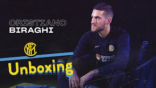 INTER UNBOXING with CRISTIANO BIRAGHI | Manchester City, Davide Astori and more! | 📦⚫🔵😯??? [SUB ENG]