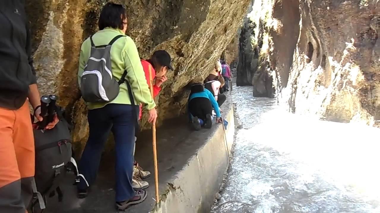 LOS CAHORROS DE MONACHIL CON LA ONG INFANCIA SOLIDARIA (LUCENA) - YouTube