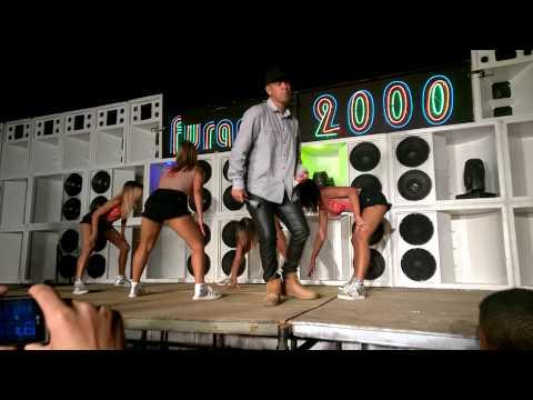 MC Brunyn E As Meninas Do Funk - EScola Das Meninas - Gravação DVD Furacão 2000 Funk De Verdade