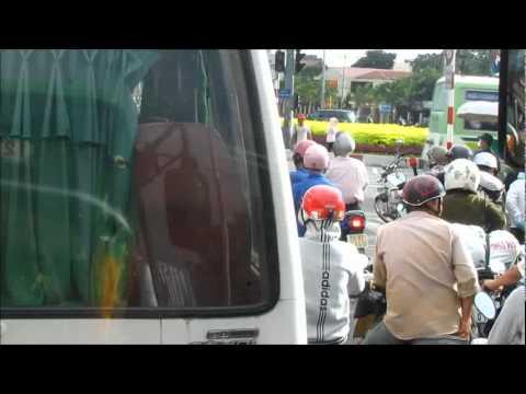 BO SUU TAP HINH ANH VIDEO TPHCM 2011 3p19``XA LO HANOI CAU 4,30 GIO CHIEU 6-2011so3.mp4