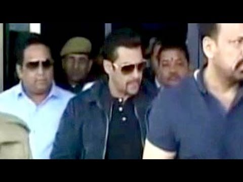 Actor Salman Khan in Jodhpur to record statement in poaching case