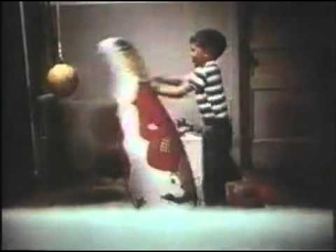 The Bobo Doll Experiment - Psychestudy