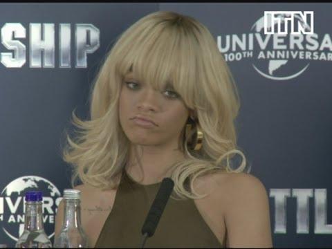 Rihanna wkurzona na dziennikarkę