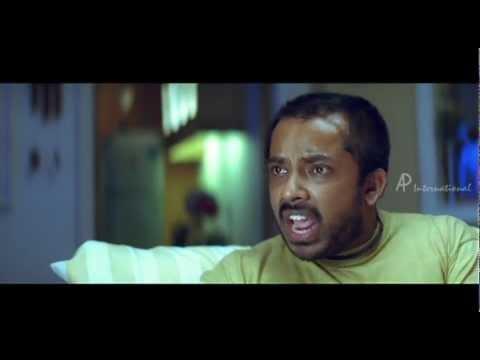 Mayaavi - Simran's fan irritates Jyothika