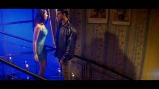 Karishma Getting HOTT With Akshay Kumar (MERE JEEVAN