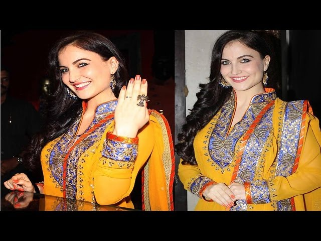 Hot Elli Avram Looking Gorgeous In Indian Look