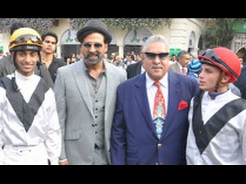 Akshay Kumar at Mc Dowell Signature Indian Derby | Raveena Tandon, Vijay Mallya