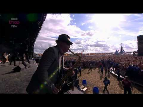 Madness - Our House - Reading Festival 2011.mpg