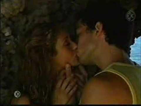 Mía y Miguel - Por besarte