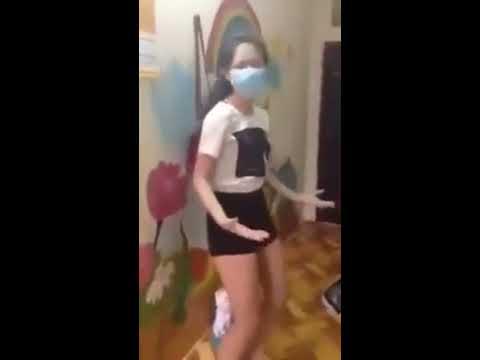 Điệu nhảy móc cua của em gái mới lớn