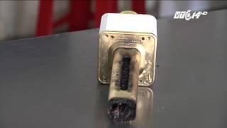 (VTC14)_Lời kể của chủ quán về vụ mic Karaoke không dây tự phát nổ