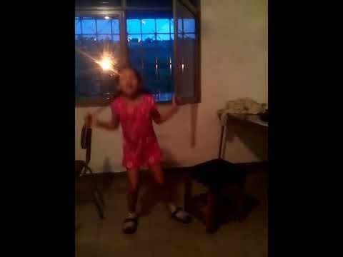 Cómo  bailamos mi amiga y yo canciones de soy luna