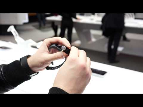 Hands-on: Huawei TalkBand B1