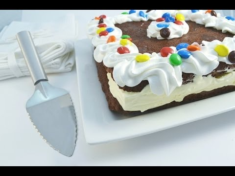 How to Make a Giant Brownie Ice Cream Sandwich - Ice Cream Cake | RadaCutlery.com