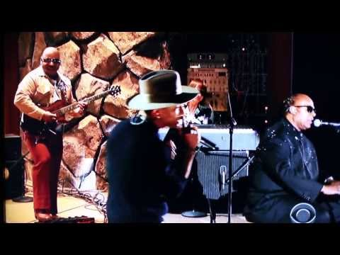 Stevie Wonder plays harpejji with Pharrell, Daft Punk and Nile Rodgers on Get Lucky