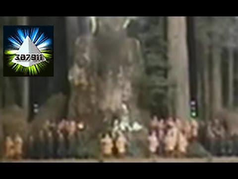 Alex Jones ★ Dark Secrets Inside Bohemian Grove Satanic Ritual Footage ♦ InfoWars Prison Planet 6
