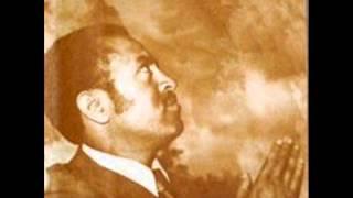 Tilahun Gessesse - Tidar Yastelash Belijinet ትዳር ያስጠላሽ በልጅነት (Amharic)