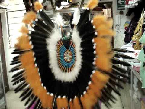 trajes de indios americanos en Perú